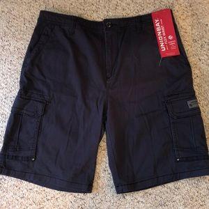 UNIONBAY navy cargo shorts- NEW!! 40